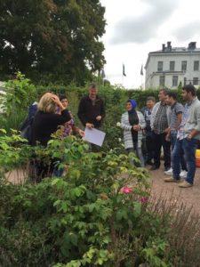 Trädgårdsmästare Peter Svenson hälsar välkommen